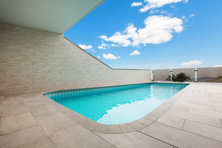 Fiberglass vs vinyl liner vs concrete pools paradise - Concrete swimming pools vs fiberglass ...